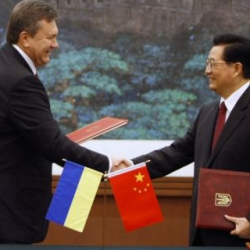 Президент договорился в Китае о дружбе и о банковских инвестициях на сумму около $8 млрд
