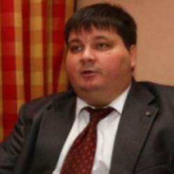 Українці досі повертають борги олігархів - фінансист