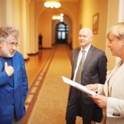 Порошенко и Коломойский делят «Приватбанк». А заодно и Украину
