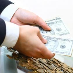 Вкладчики Platinum Bank за два дня получили треть всех депозитов