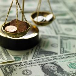 """ФГВФЛ продолжает выплаты средств вкладчикам Дельта Банка и банка """"Траст"""" доллар пойдет в рост"""