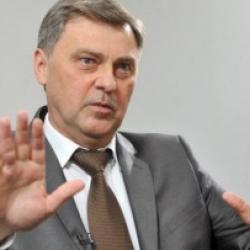 Выносила документы из банка мешками — глава Фонда гарантирования о ликвидаторе-взяточнице