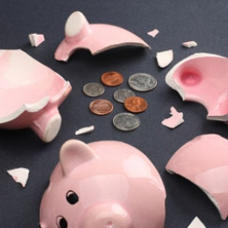 Фонд гарантирования обяжут выплатить зависшие в банках-банкротах платежи