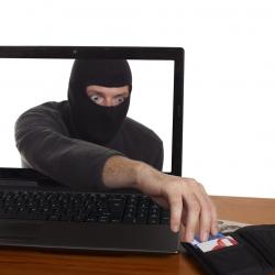 Мошенники маскируются под банк – новый способ кражи денег с карты