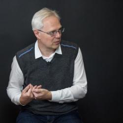 Украина затягивает себе на горле петлю, приходится повышать налоги - экономист