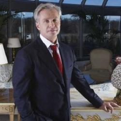 Косюк заказал шампанского на два миллиона на элитном курорте во Франции