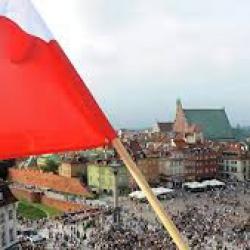 В Польше урезали зарплаты депутатам