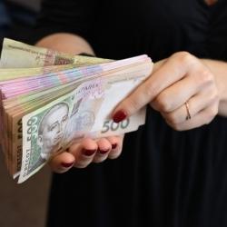 Как военное положение повлияет на цены, курс валют и безвиз