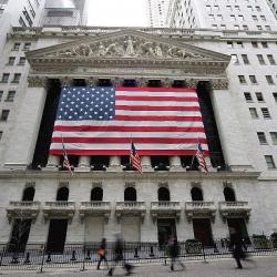 В следующем году доллар заметно подешевеет - Bank of America