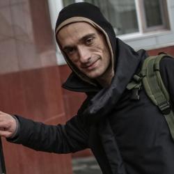 Суд признал Павленского виновным в поджоге Банка Франции
