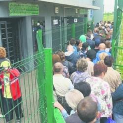 Каждый пятый — уже за границей. Сколько украинцев покинули страну за 5 лет эмиграция приобретает масштабы катастрофы