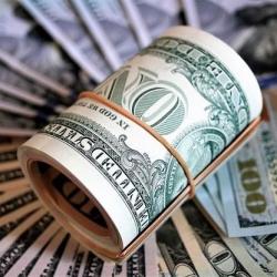 Доллар упал ниже 25,5 грн: кто зарабатывает на дешевой валюте
