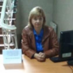 Рабочее место в коридоре: в Кропивницком банк выплачивает зарплату работнице, которая не выполняет никакой работы