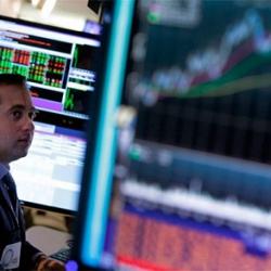Биржи США 14 августа потеряли около 3% на беспокойстве из-за возможности рецессии