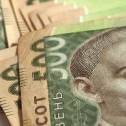 В Украине массово подделывают 500-гривневые купюры: как распознать фальшивку