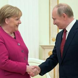 Меркель призвала довести до конца «Северный поток-2»