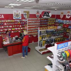 В Украине могут разрешить снимать наличные с банковской карты в кассах магазинов и кафе
