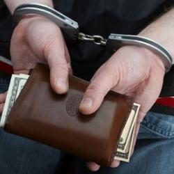 В Киеве сотрудница банка присвоила незаконным путем 700 тыс. долл.