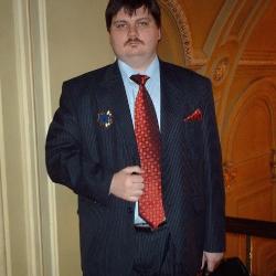 Телевизионная программа Эра качества попыталась разобраться, чем авто-лизинг лучше авто-кредита, а в этом им помогали эксперты Нового Украинского банковского портала.
