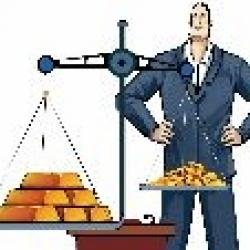 Все больше украинцев, спасая свои сбережения, конвертируют их в слитки золота.