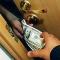 Милиция ищет человека, который в Киеве ограбил 9 банков