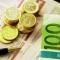 Банк Латвии скупает евро