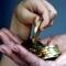 Мошенница сняла порчу с кассира банка за 3 млн рублей
