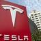 В Украине мошенники продавали акции Tesla