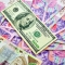 Чем дешевый доллар угрожает Украине