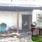 В сгоревшем доме Гонтаревой появилась курица Banksy - СМИ