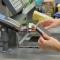 Снять наличные в кассе магазина: экономисты объяснили, кому выгодно нововведение